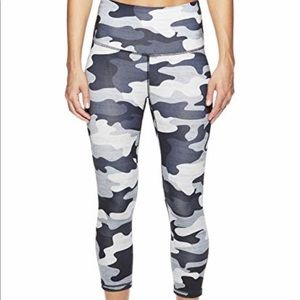 Reebok cami workout high-rise crop leggings XS